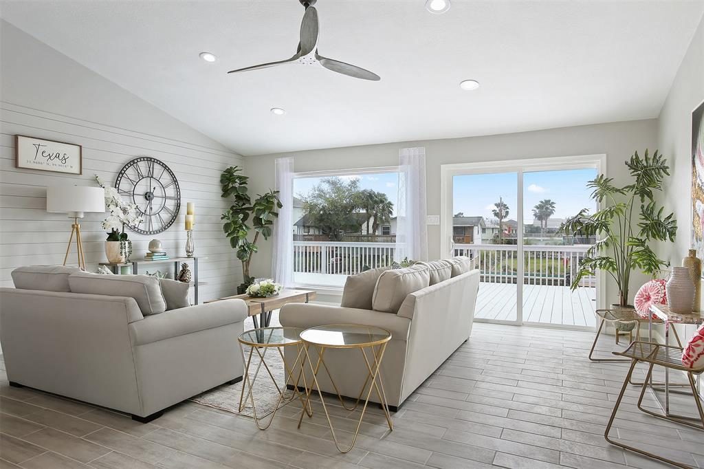 650 Warsaw Street Property Photo - Bayou Vista, TX real estate listing