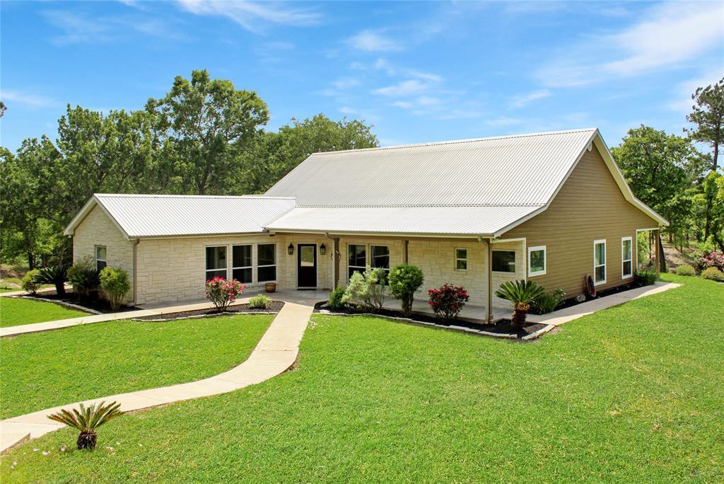 2040 Barton Creek, Smithville, TX 78957 - Smithville, TX real estate listing