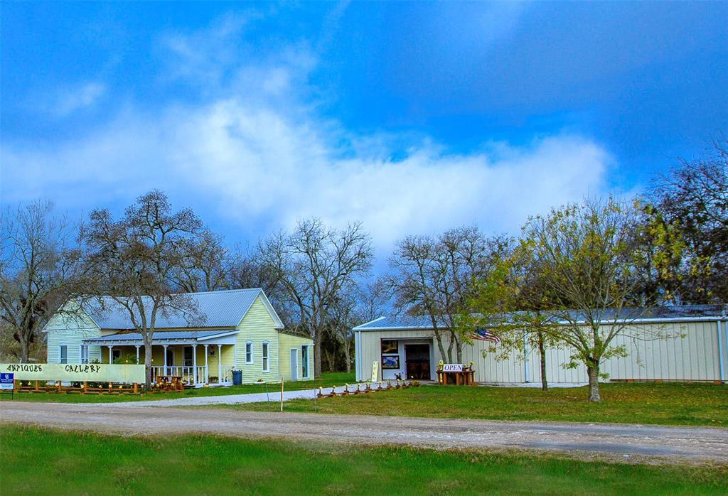 297 E Thigpen Property Photo - Carmine, TX real estate listing