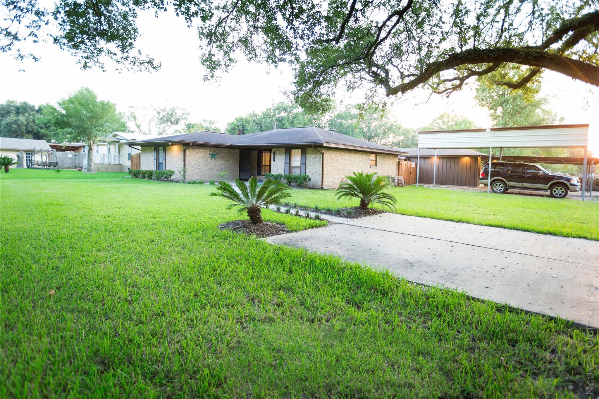 2908 Pansy Street Property Photo - Pasadena, TX real estate listing