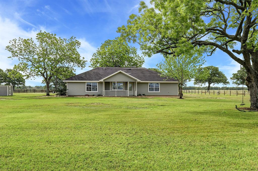 406 Blume Lane Property Photo - Ledbetter, TX real estate listing