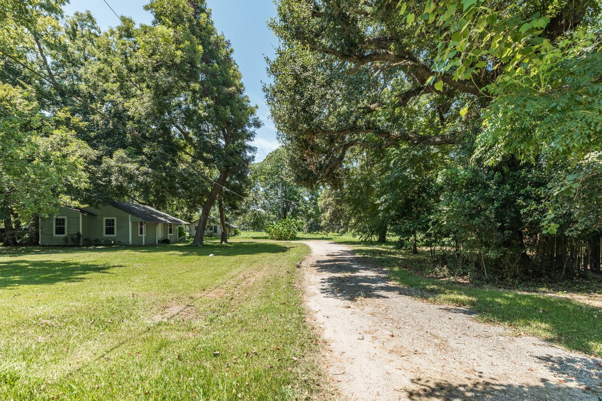 6830 Durazno Road Property Photo - Jones Creek, TX real estate listing