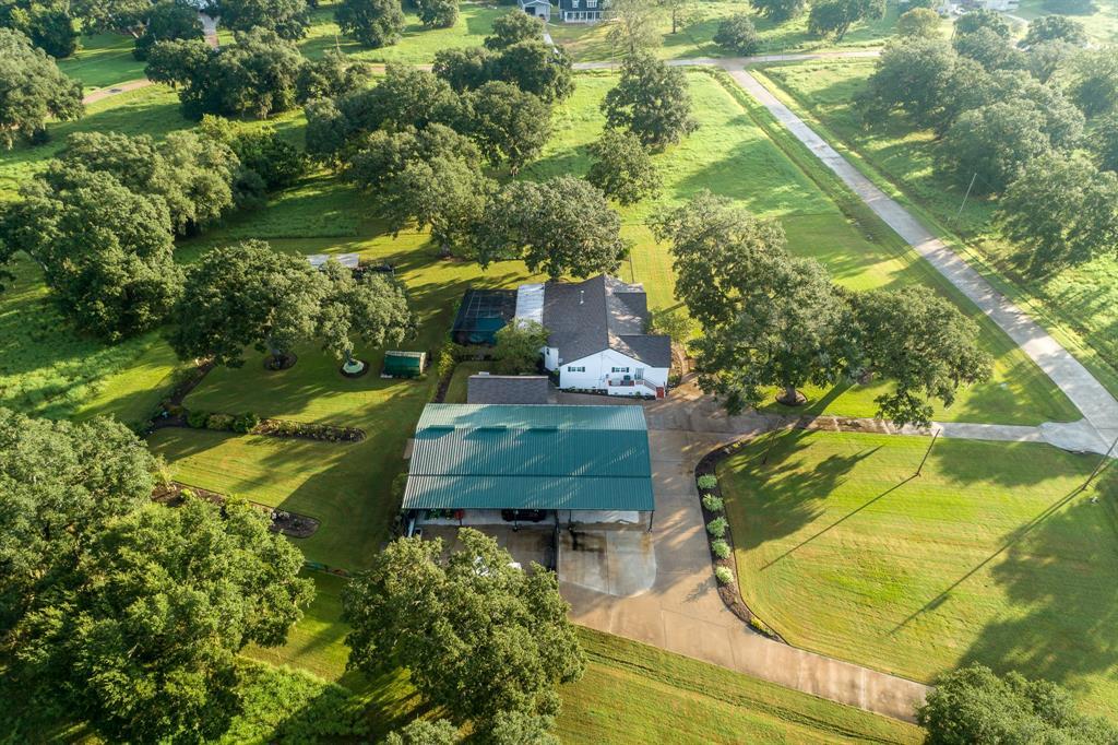 712 Rancho Chico Court, Angleton, TX 77515 - Angleton, TX real estate listing