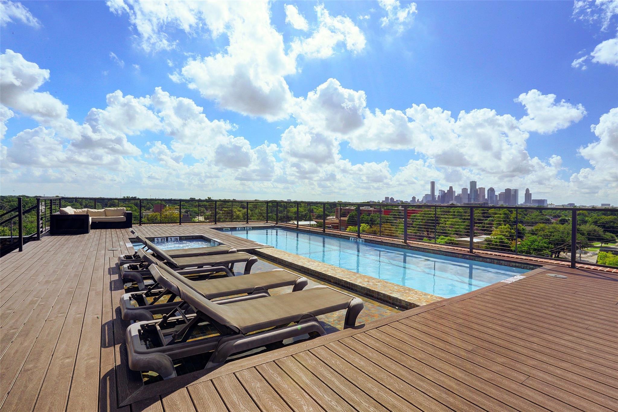 2520 Houston Avenue #801 Property Photo - Houston, TX real estate listing