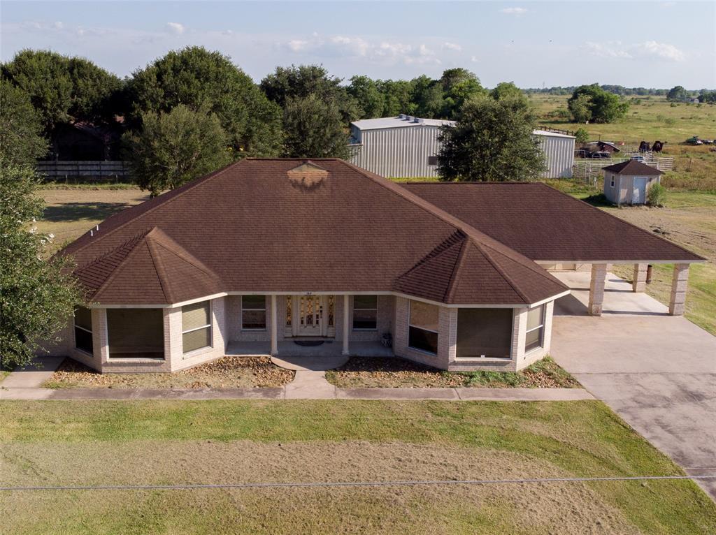 189 Candy Street, El Campo, TX 77437 - El Campo, TX real estate listing