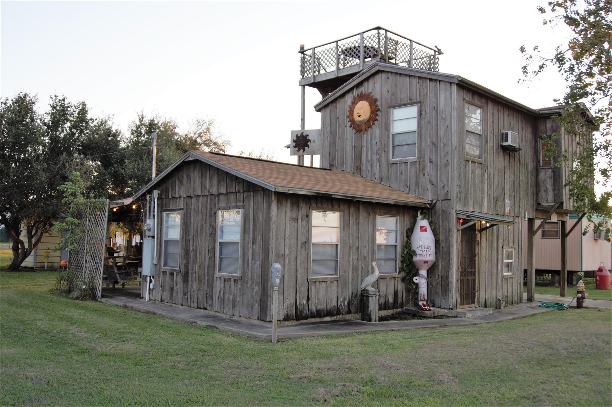 47 Mesquite Street Property Photo - Palacios, TX real estate listing