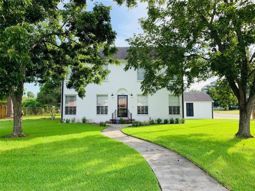 1310 Avenue C Property Photo - Beaumont, TX real estate listing