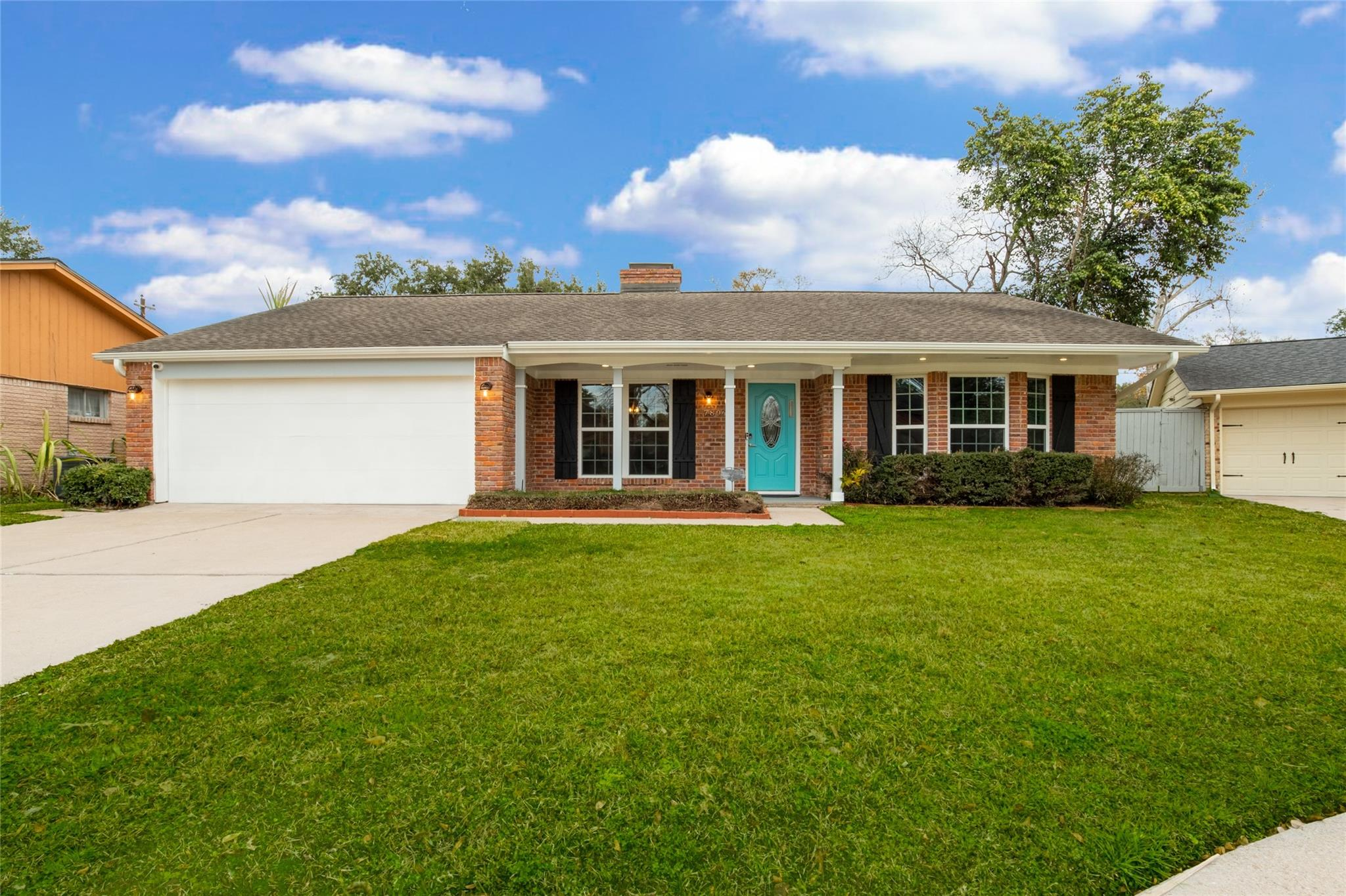 7806 Edgemoor Drive Property Photo - Houston, TX real estate listing