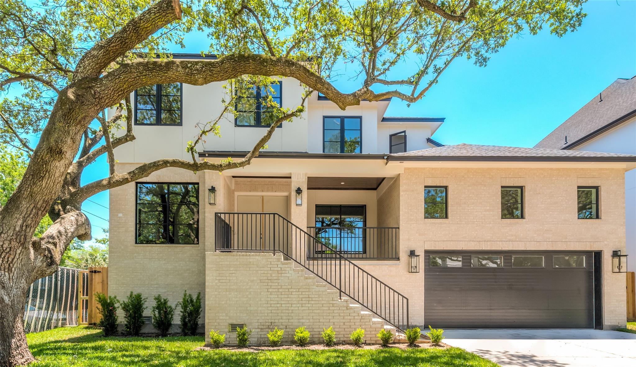 3021 Blue Bonnet Boulevard Property Photo