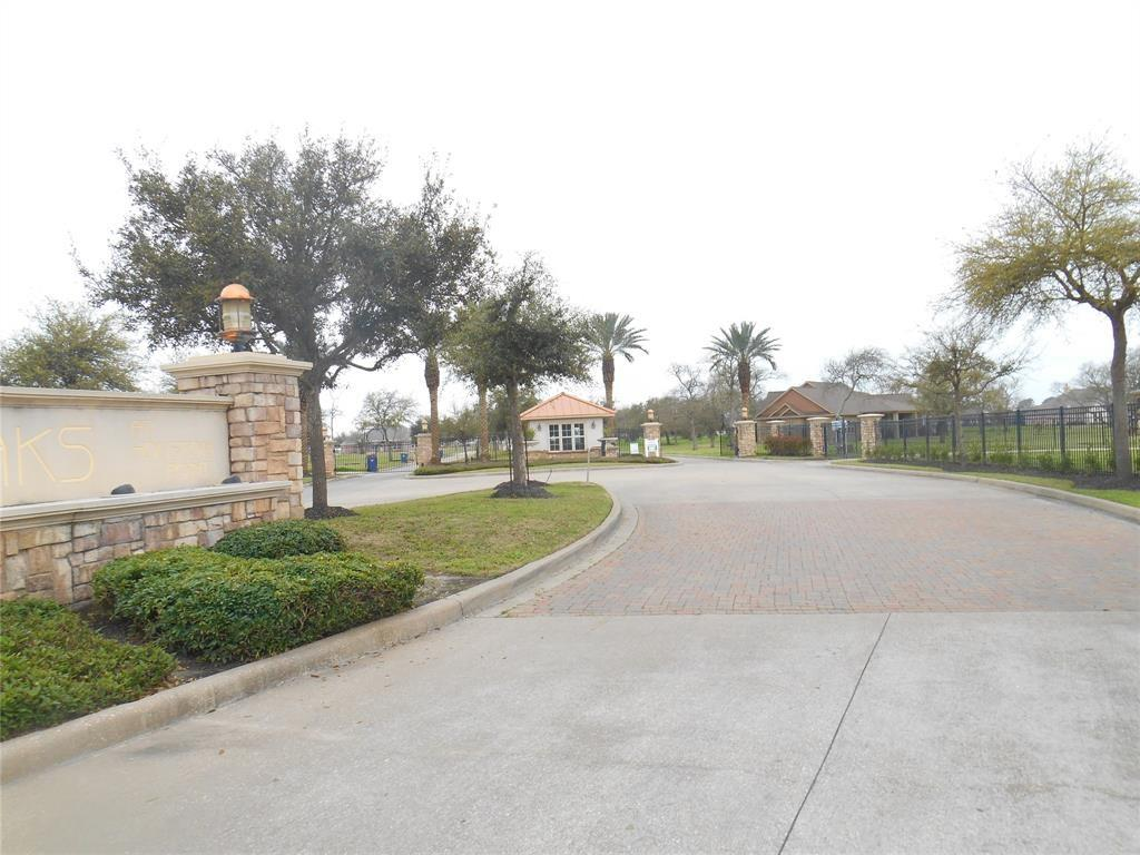 6327 Fisher Reef Drive, Beach City, TX 77523 - Beach City, TX real estate listing
