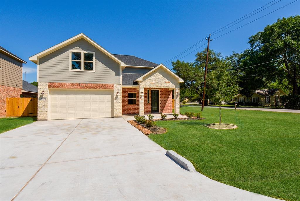 900 Roberts Street Property Photo - East Bernard, TX real estate listing
