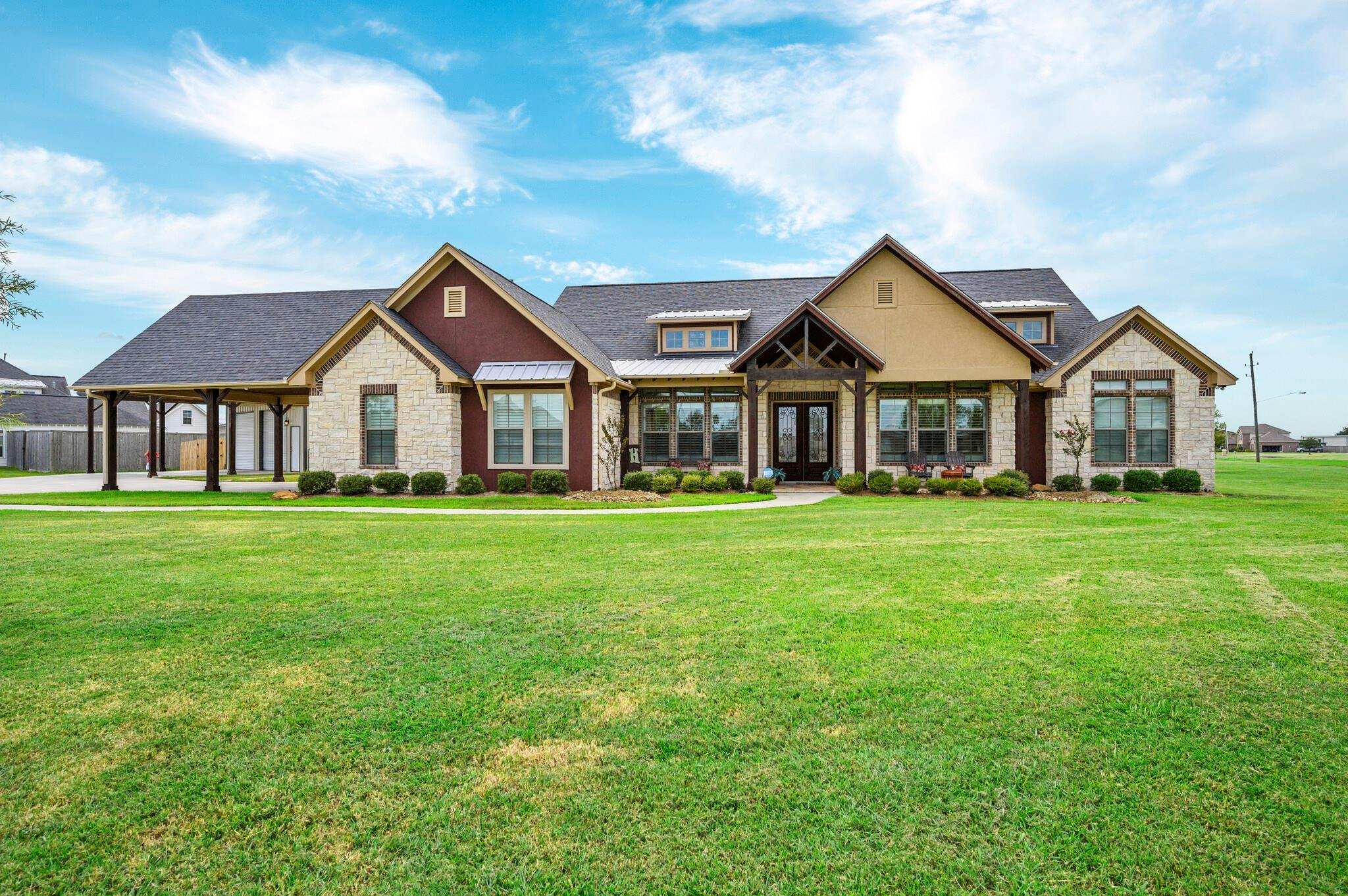 5927 Lariat Place Property Photo - Baytown, TX real estate listing