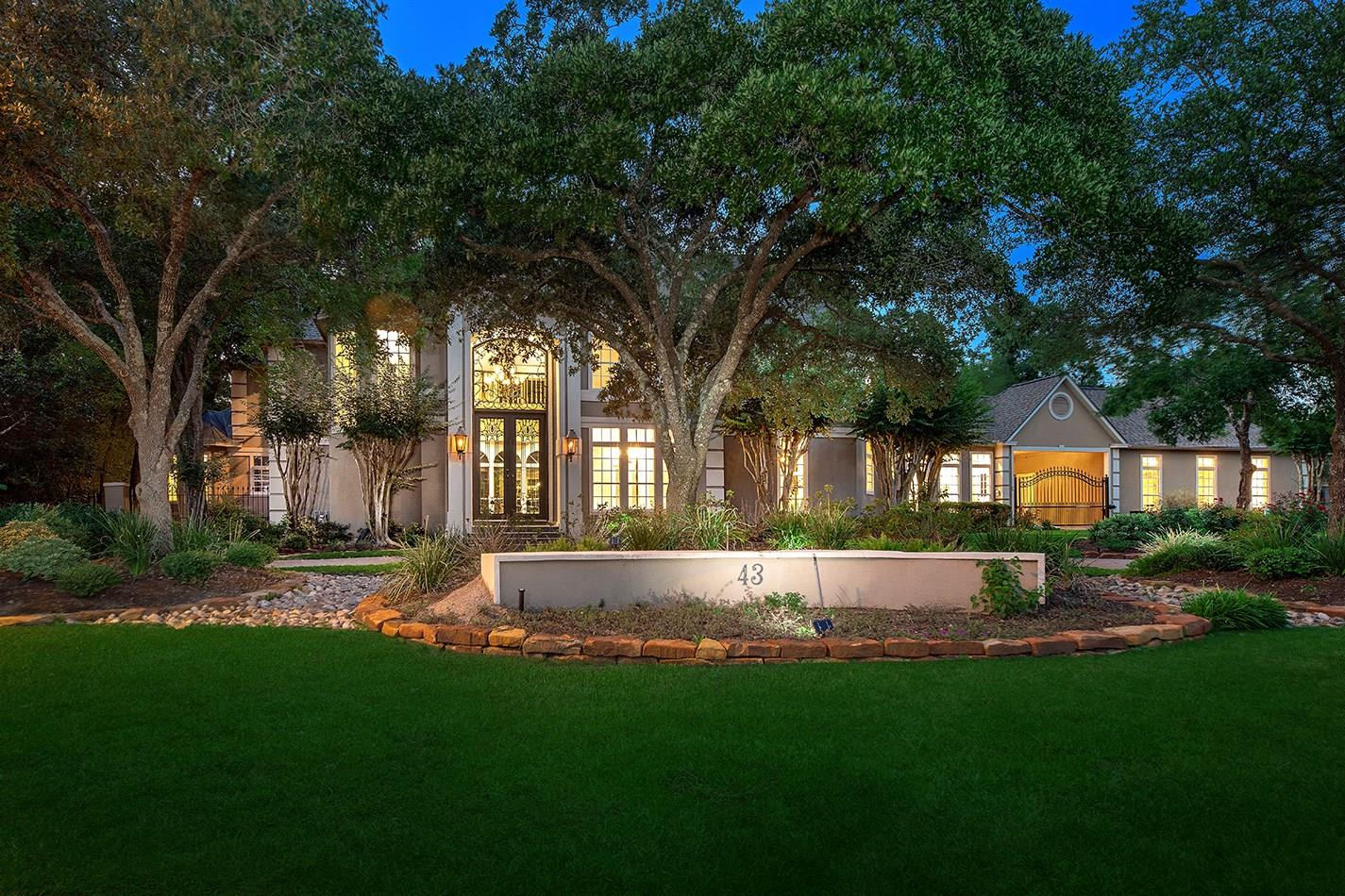 43 S Windsail Place Property Photo - The Woodlands, TX real estate listing