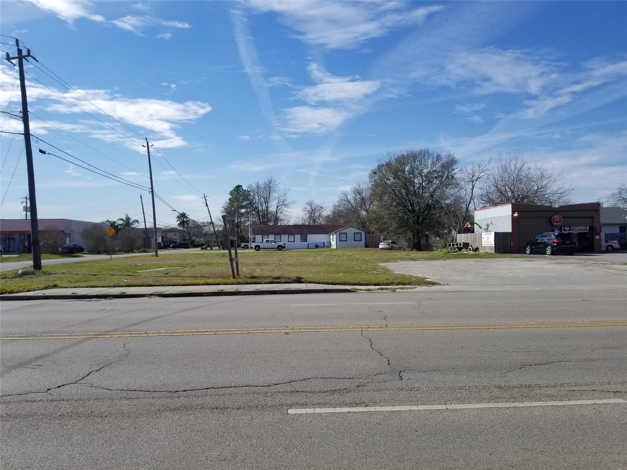 913 Beverly Avenue Property Photo