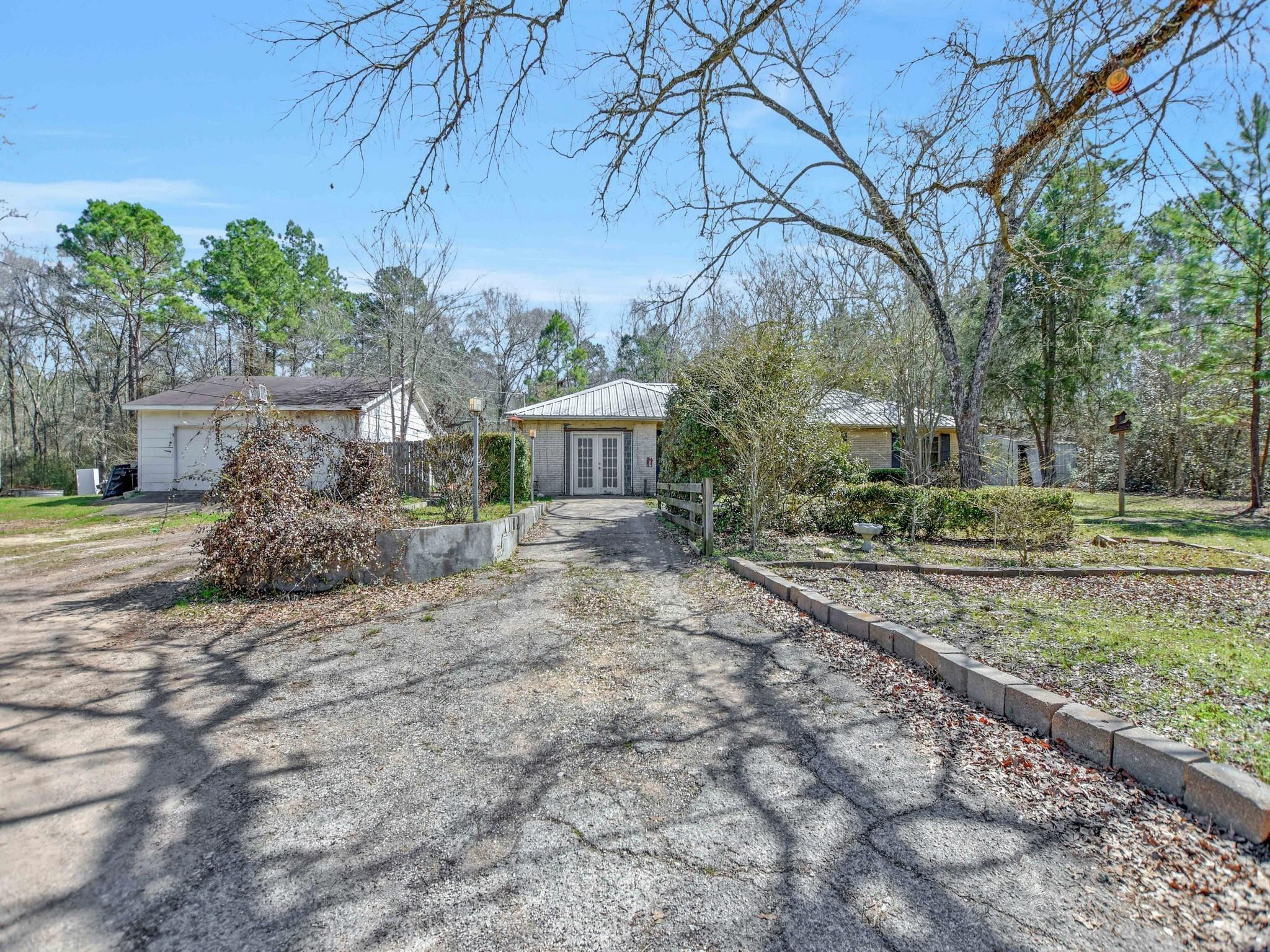 2629 Defor Road Property Photo - Conroe, TX real estate listing