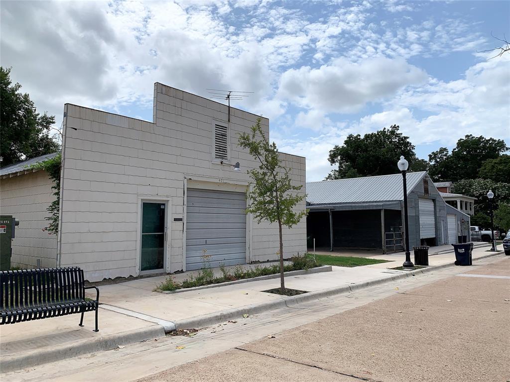 401-407 S Park Street Property Photo