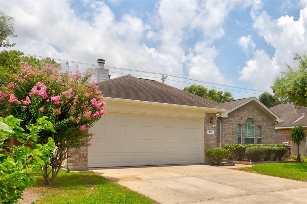 301 Heritage Oaks Drive, Texas City, TX 77591 - Texas City, TX real estate listing