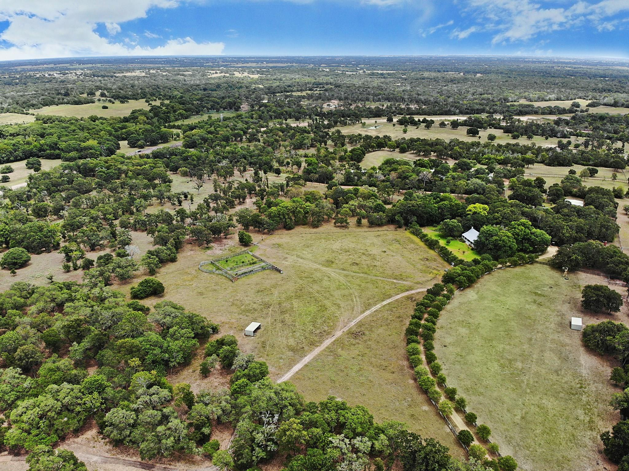 1711 237 Highway S Property Photo - Round Top, TX real estate listing
