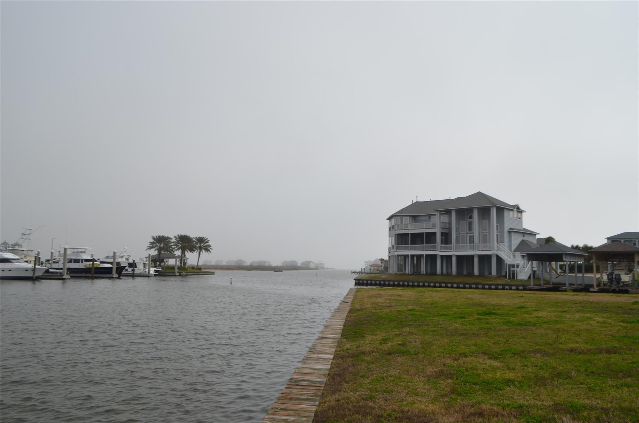 47 Shell Key Property Photo - Hitchcock, TX real estate listing