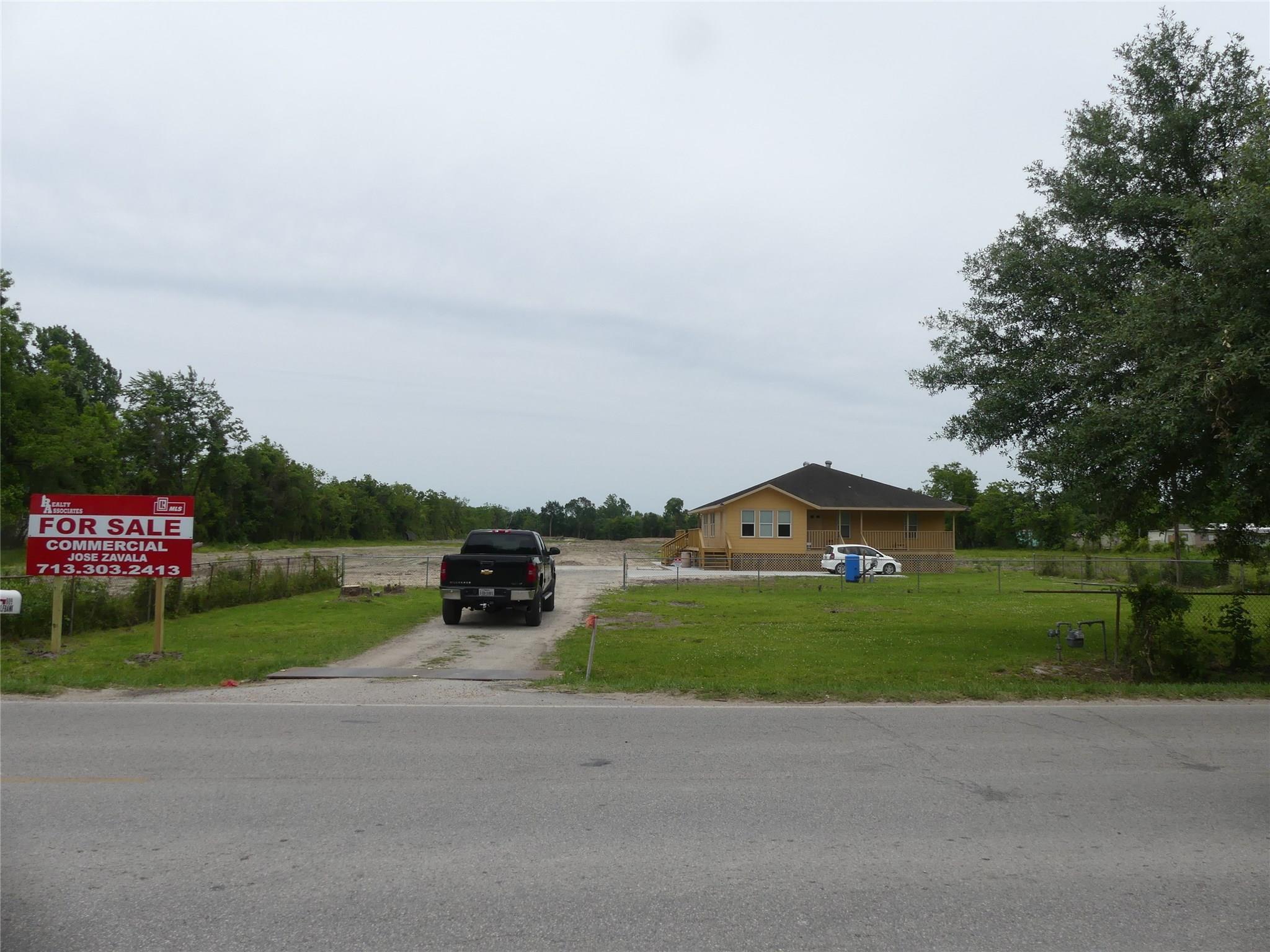 809 Gulf Bank Road Property Photo