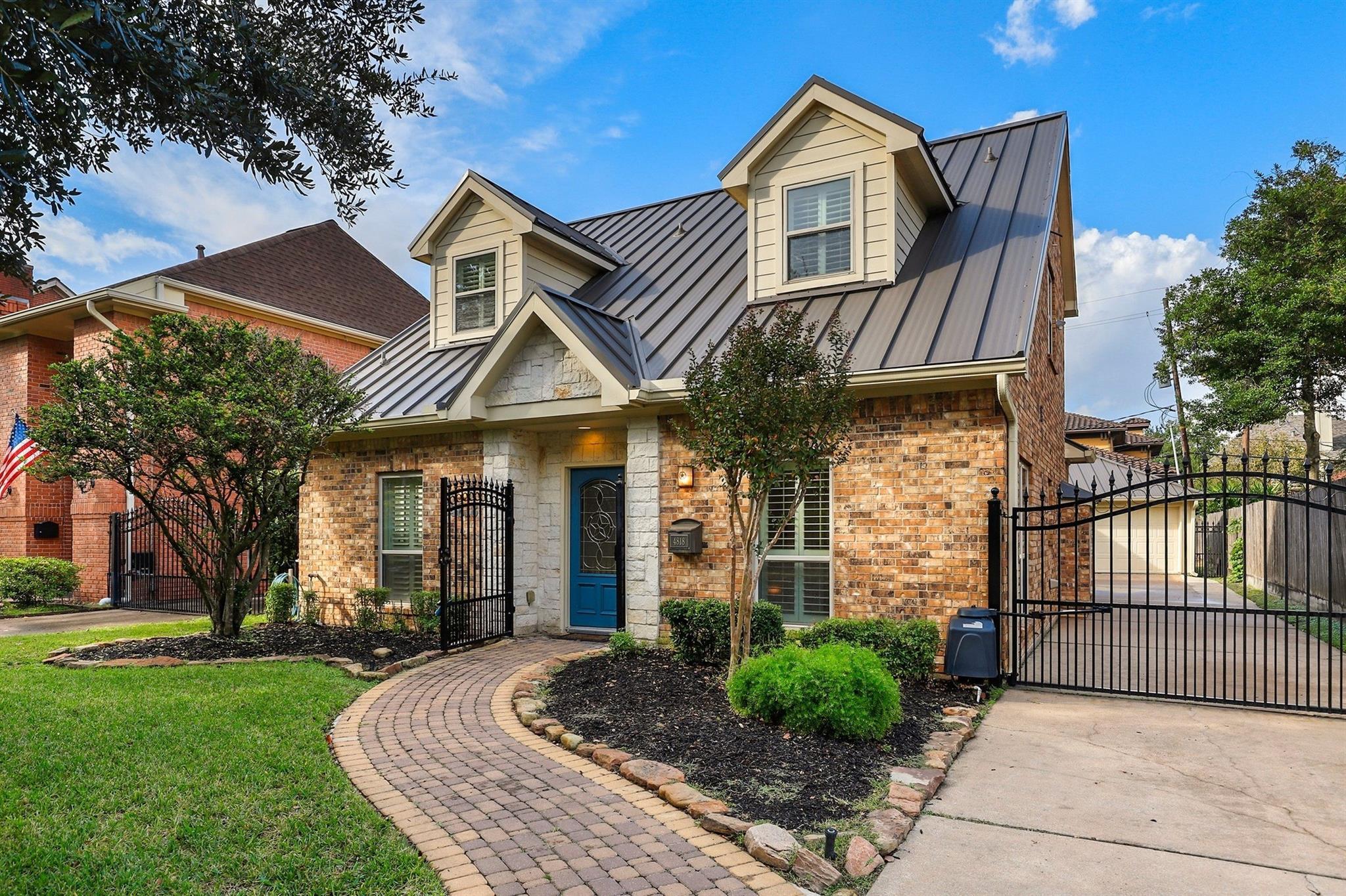 4818 Spruce Street Property Photo 1
