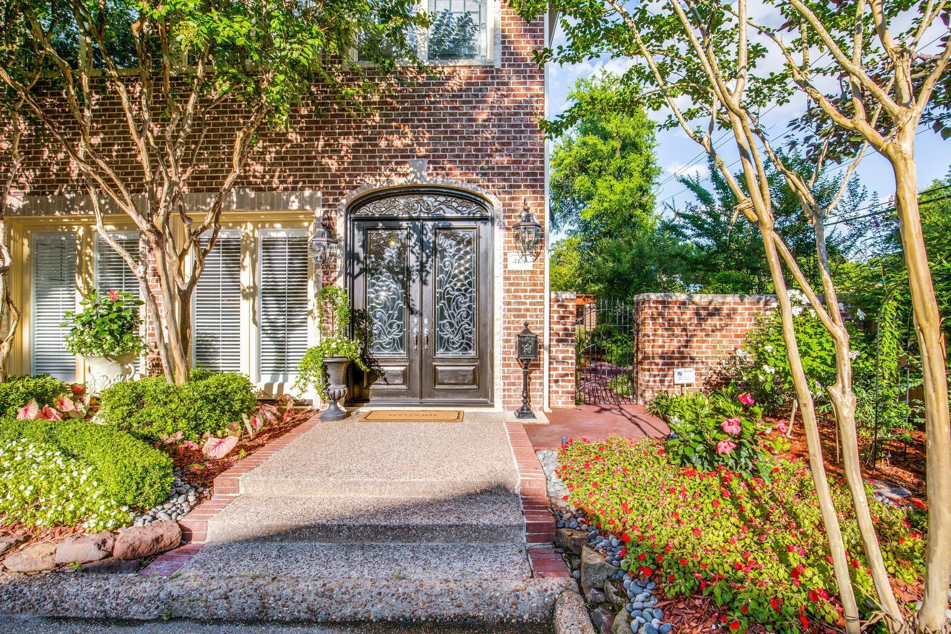 54 Bayou Pointe Drive #a Property Photo 1