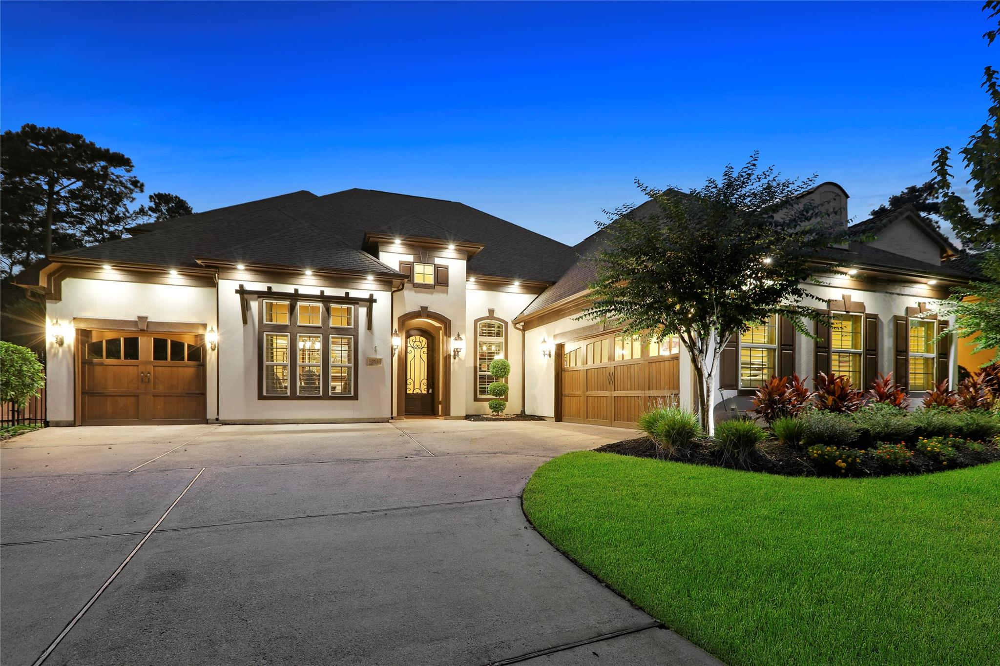 2711 N Cotswold Manor Drive Property Photo - Kingwood, TX real estate listing
