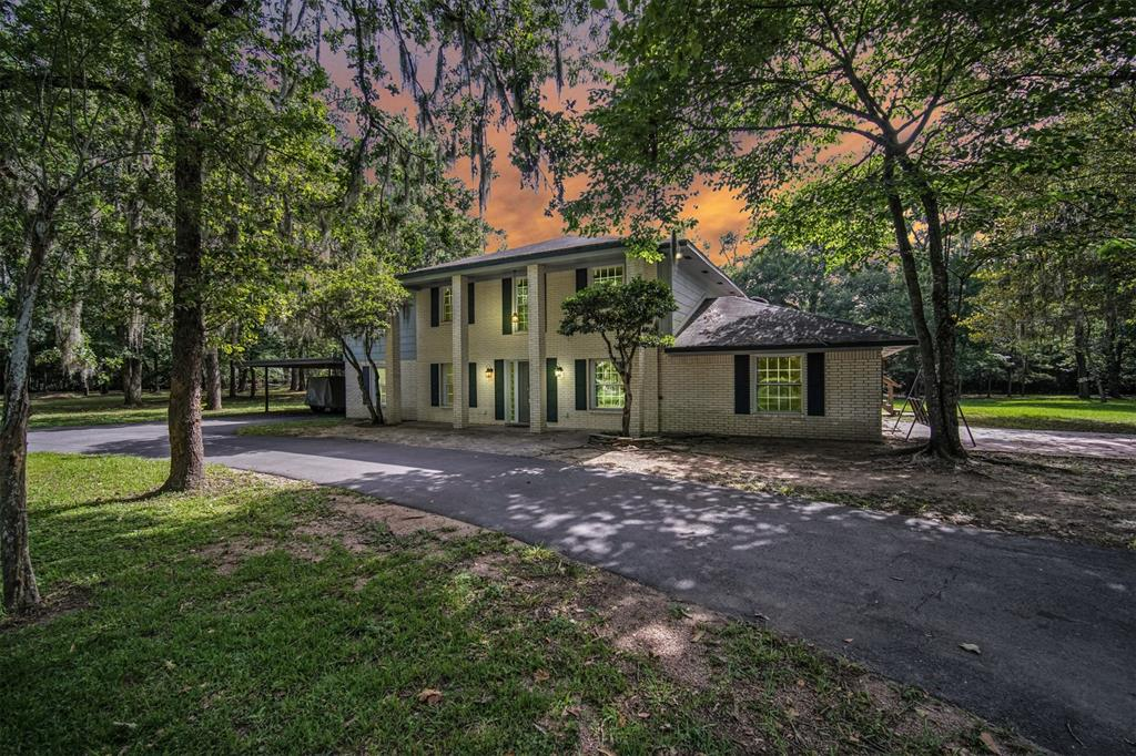 26715 S Creek Drive Property Photo - Magnolia, TX real estate listing