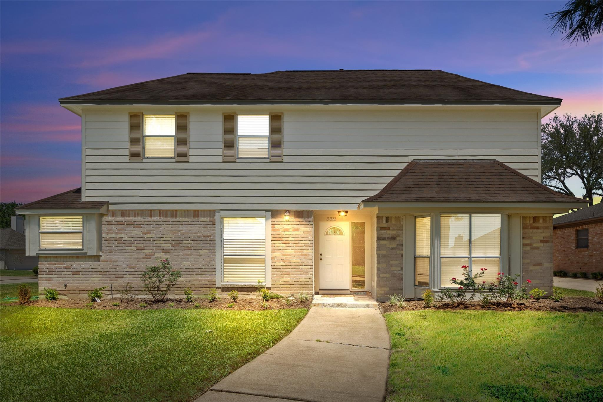 3311 S Sutton Square Property Photo