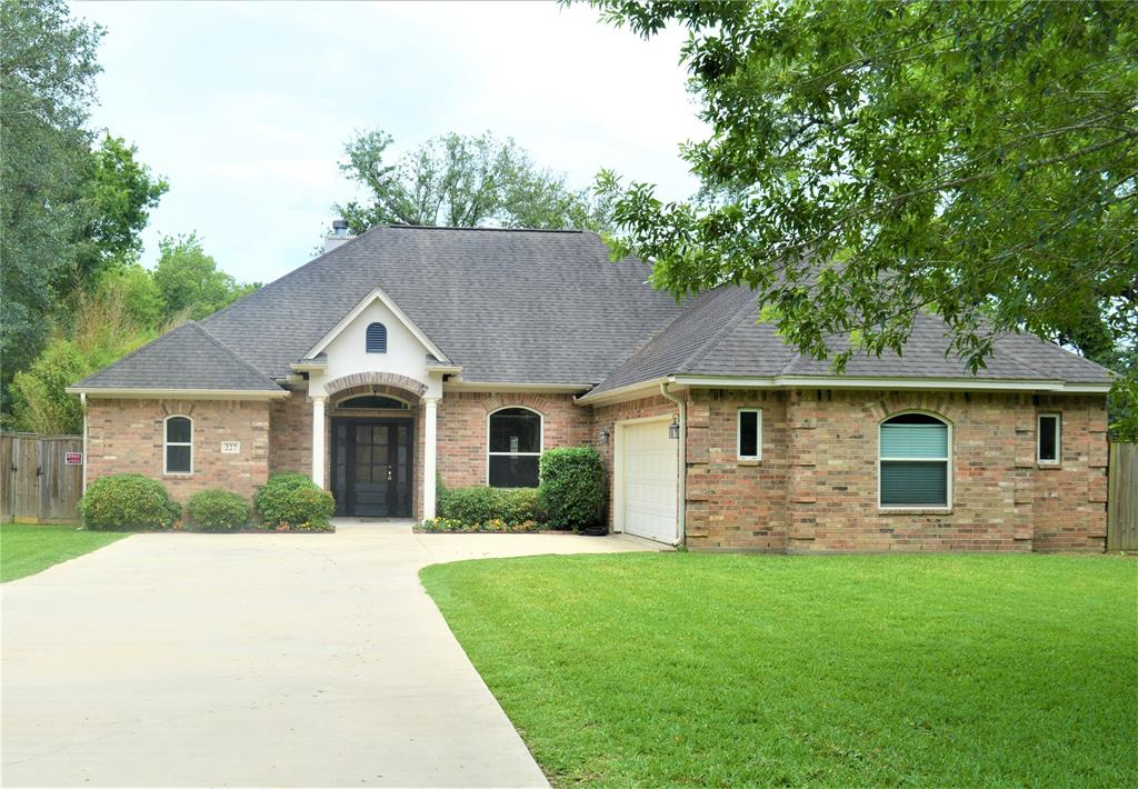 227 Central Caldwood Drive Property Photo - Beaumont, TX real estate listing