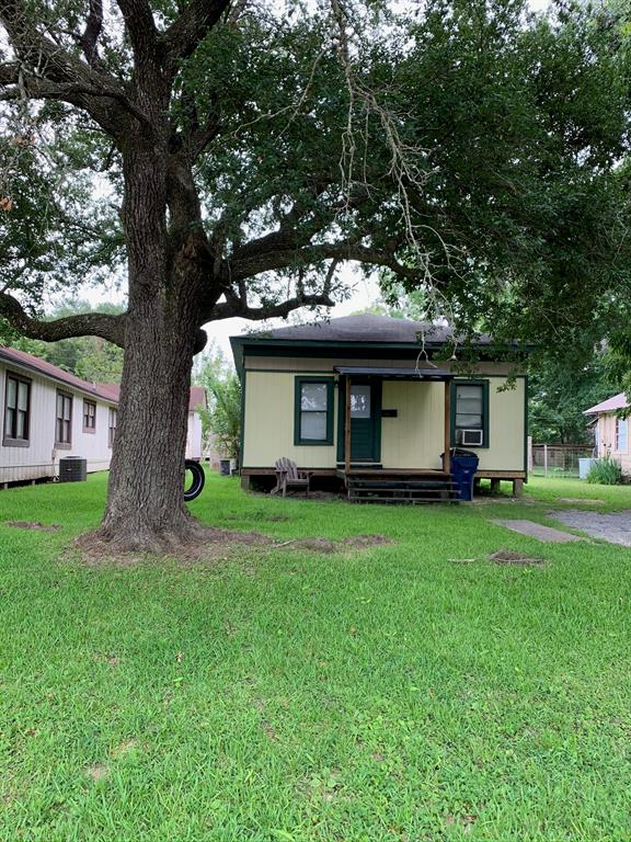 1050 N 3rd Street Property Photo - Silsbee, TX real estate listing
