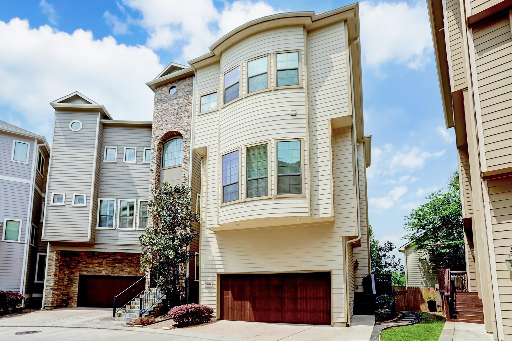 1villaswhite Oak Real Estate Listings Main Image