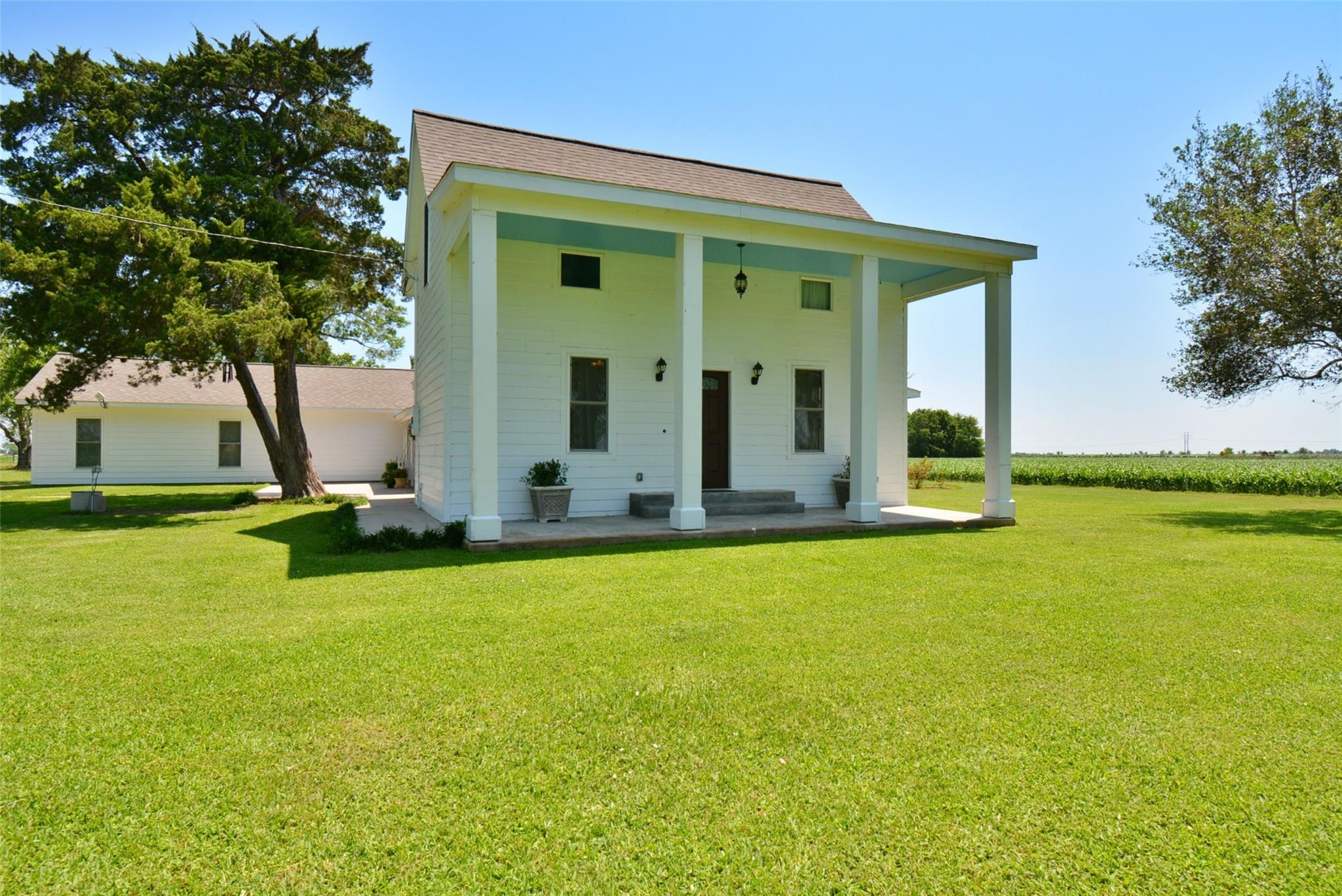 2261 County Road 407 Property Photo - El Campo, TX real estate listing