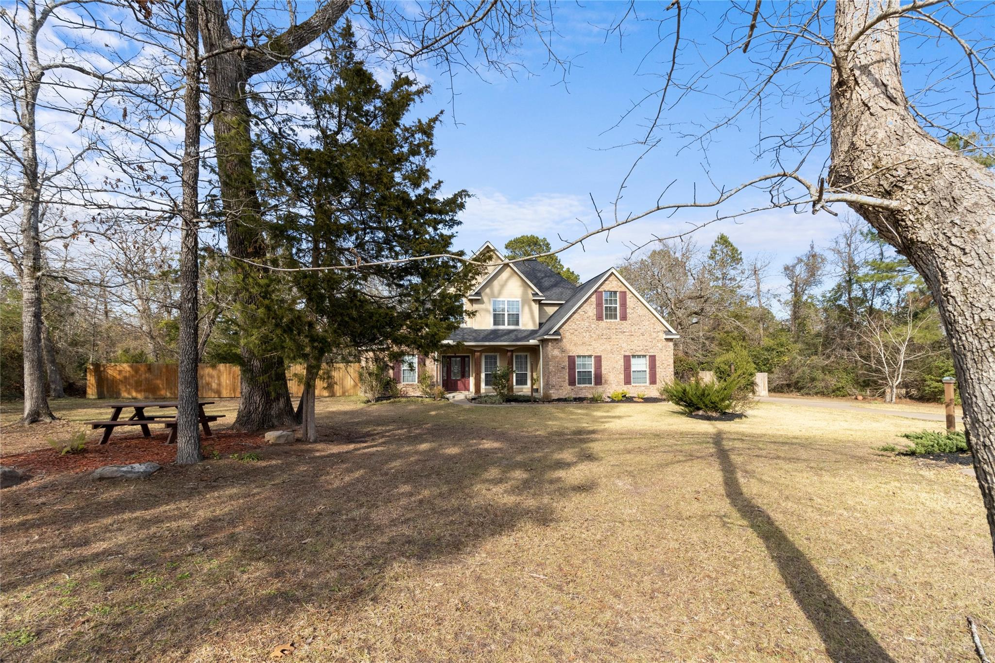 114 Willow Oak Drive Property Photo - Lufkin, TX real estate listing
