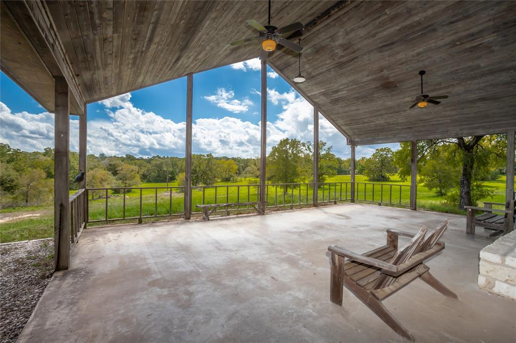 696 Hoosier Lane Property Photo - Navasota, TX real estate listing
