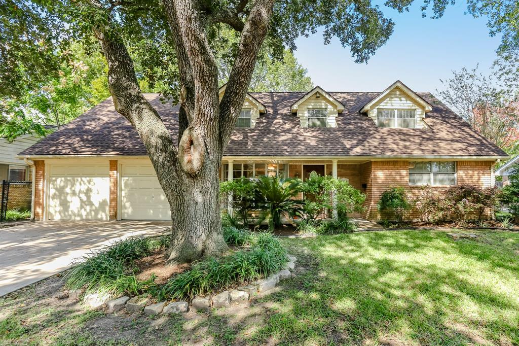 8214 Edgemoor Drive Property Photo - Houston, TX real estate listing