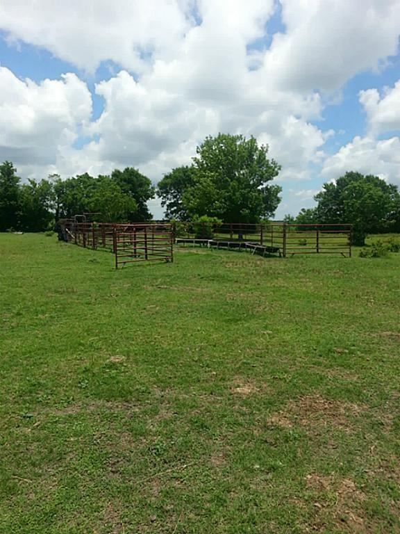 8934 County Road 511 Property Photo - Rosharon, TX real estate listing