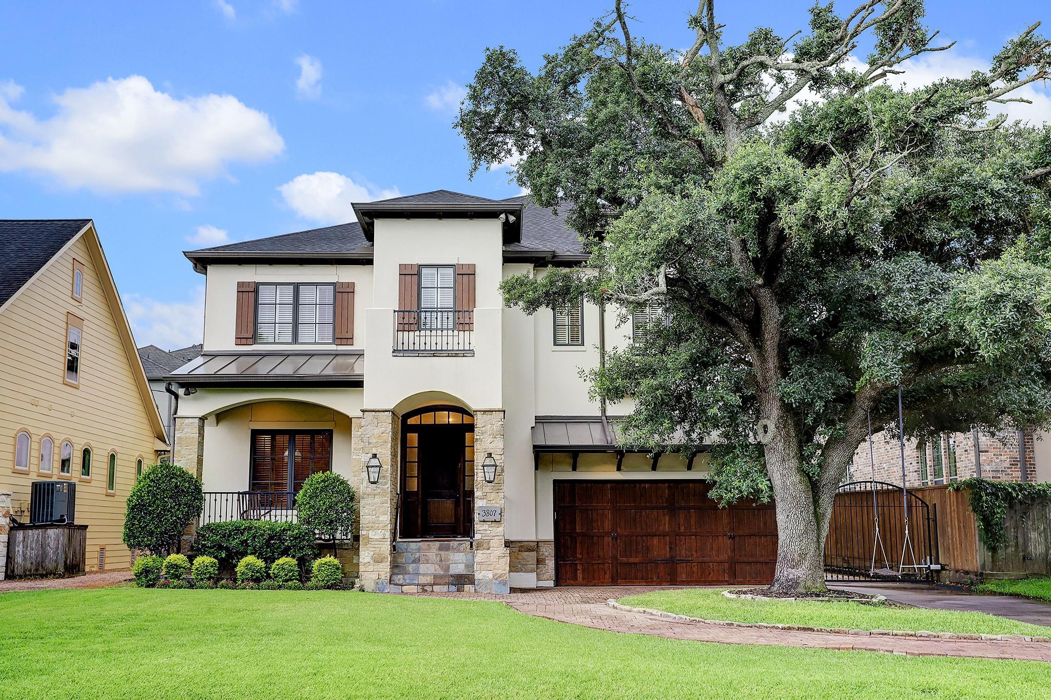 3807 Merrick Property Photo 1