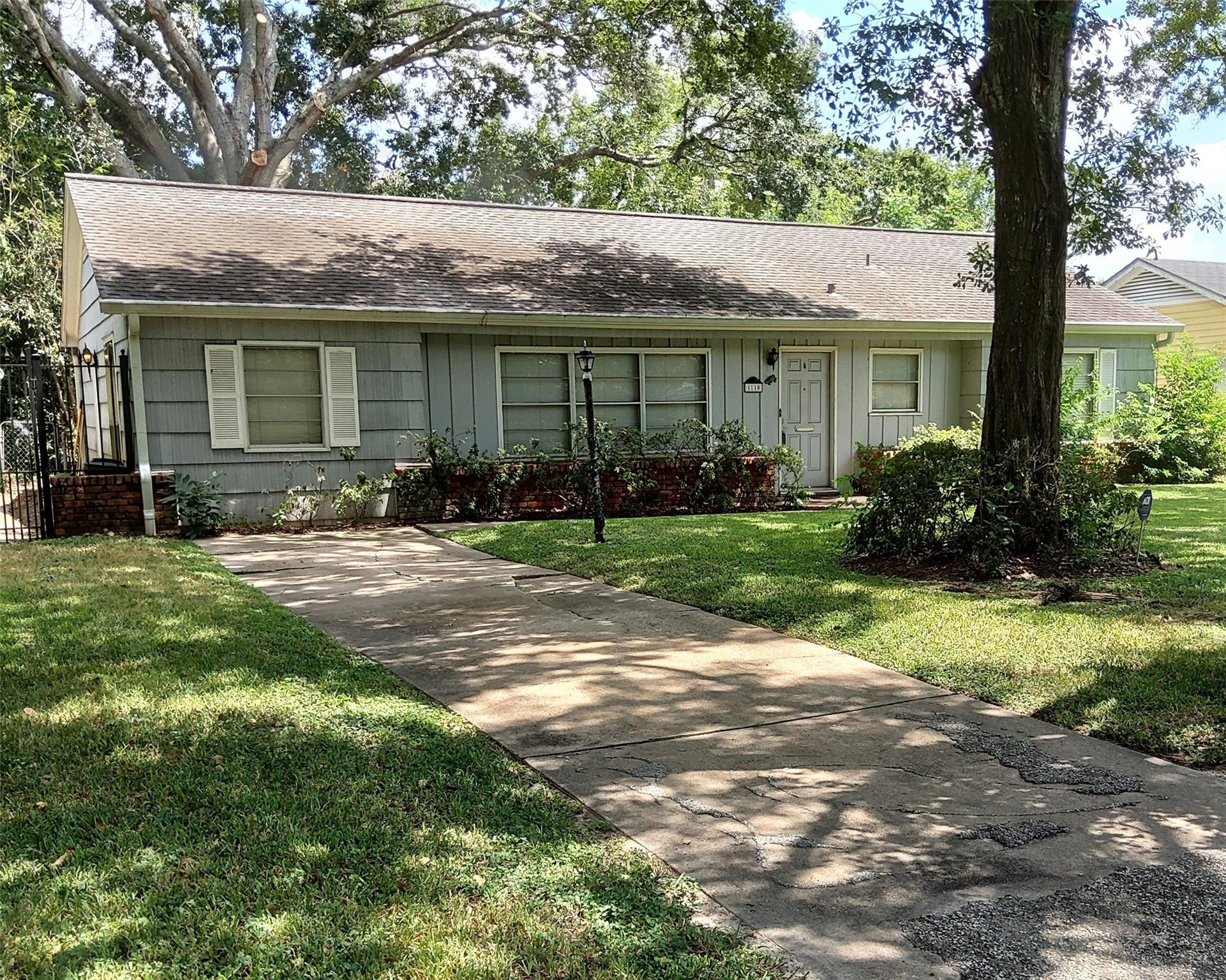 1110 Colonial Street Property Photo