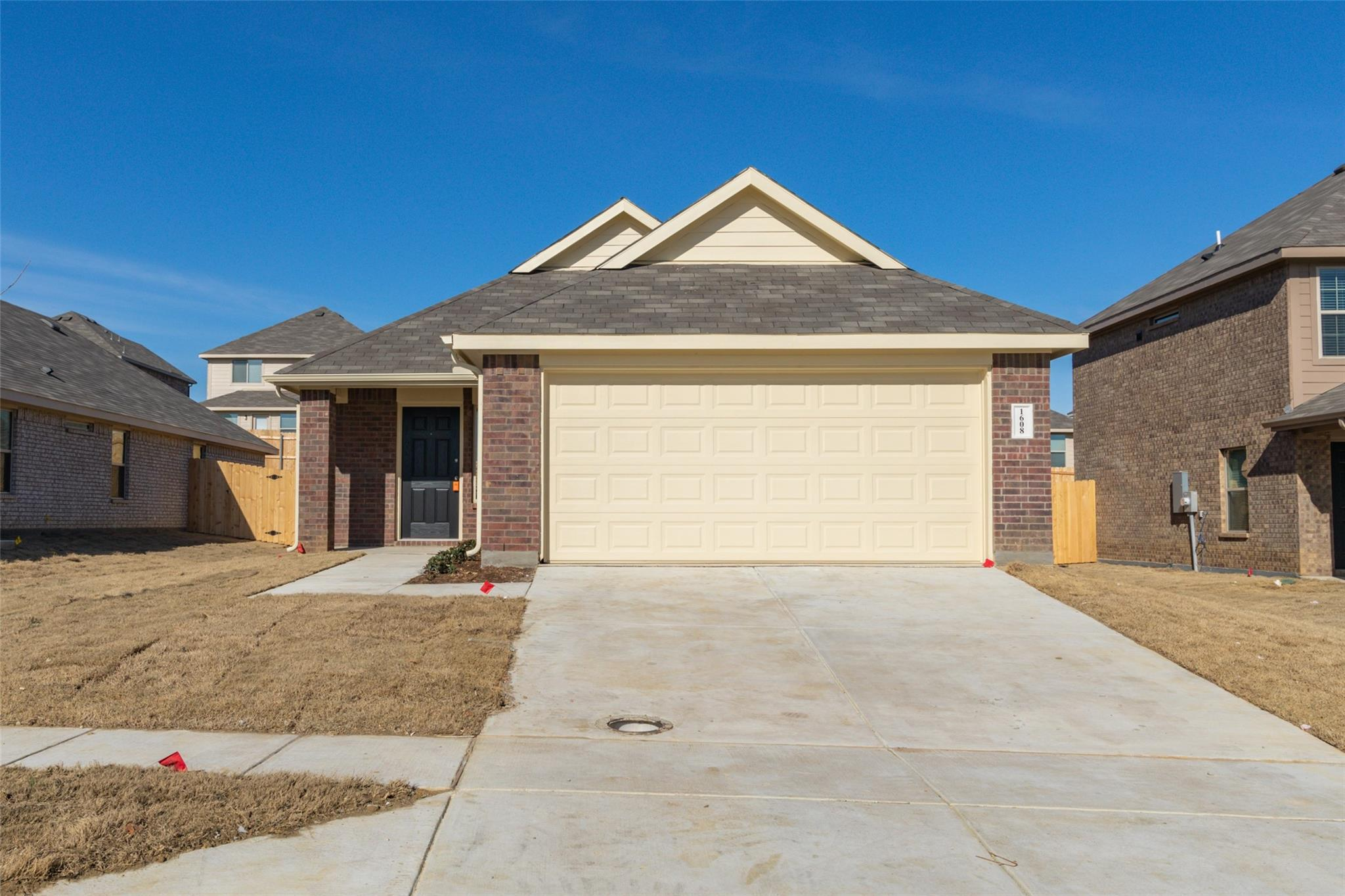1608 Swallow Drive Property Photo - Ennis, TX real estate listing