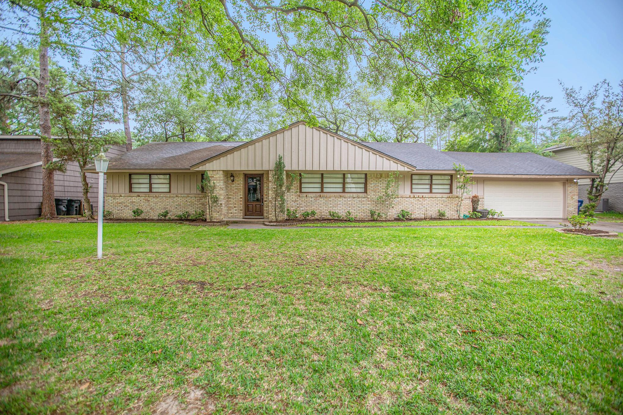 10825 Long Shadow Lane Property Photo - Hunters Creek Village, TX real estate listing