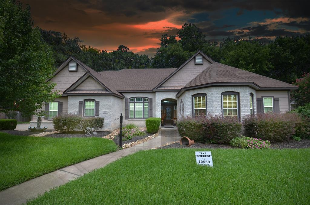 103 Williamsburg Avenue, Clute, TX 77531 - Clute, TX real estate listing