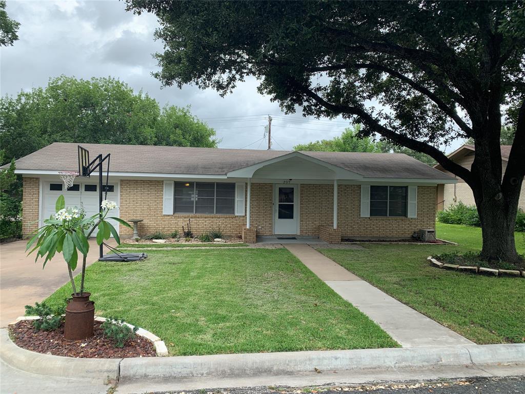 207 Klesel Street Property Photo - Schulenburg, TX real estate listing