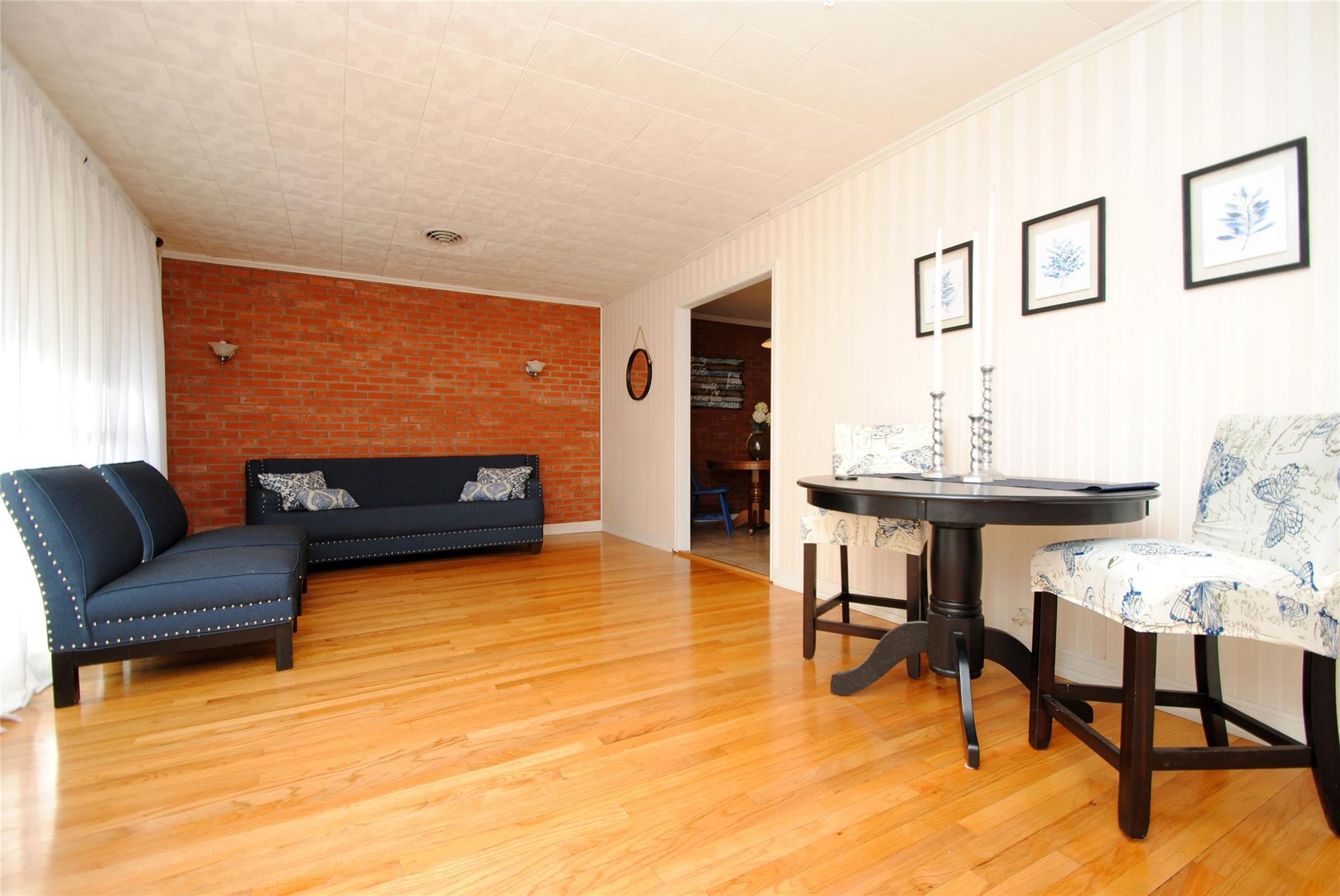 5000 Bellaire Avenue Property Photo