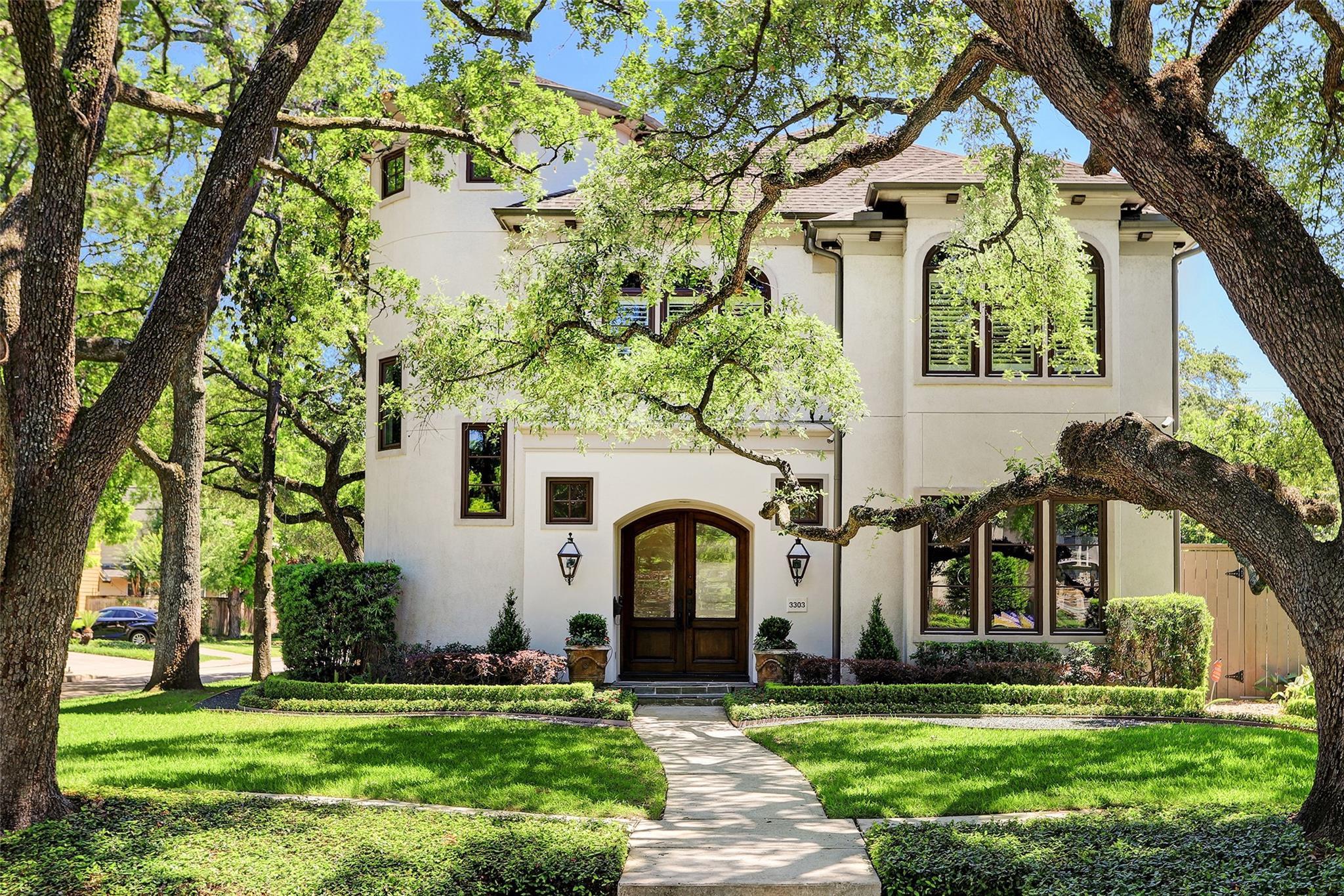 3303 Sunset Boulevard Property Photo