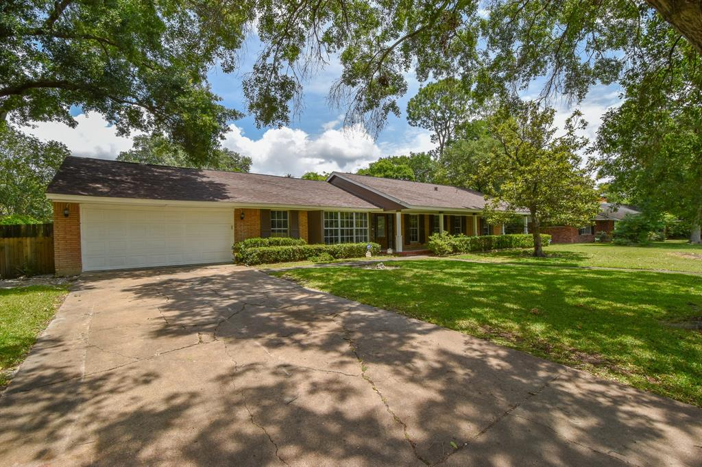 7706 Braeburn Valley Drive Property Photo - Houston, TX real estate listing