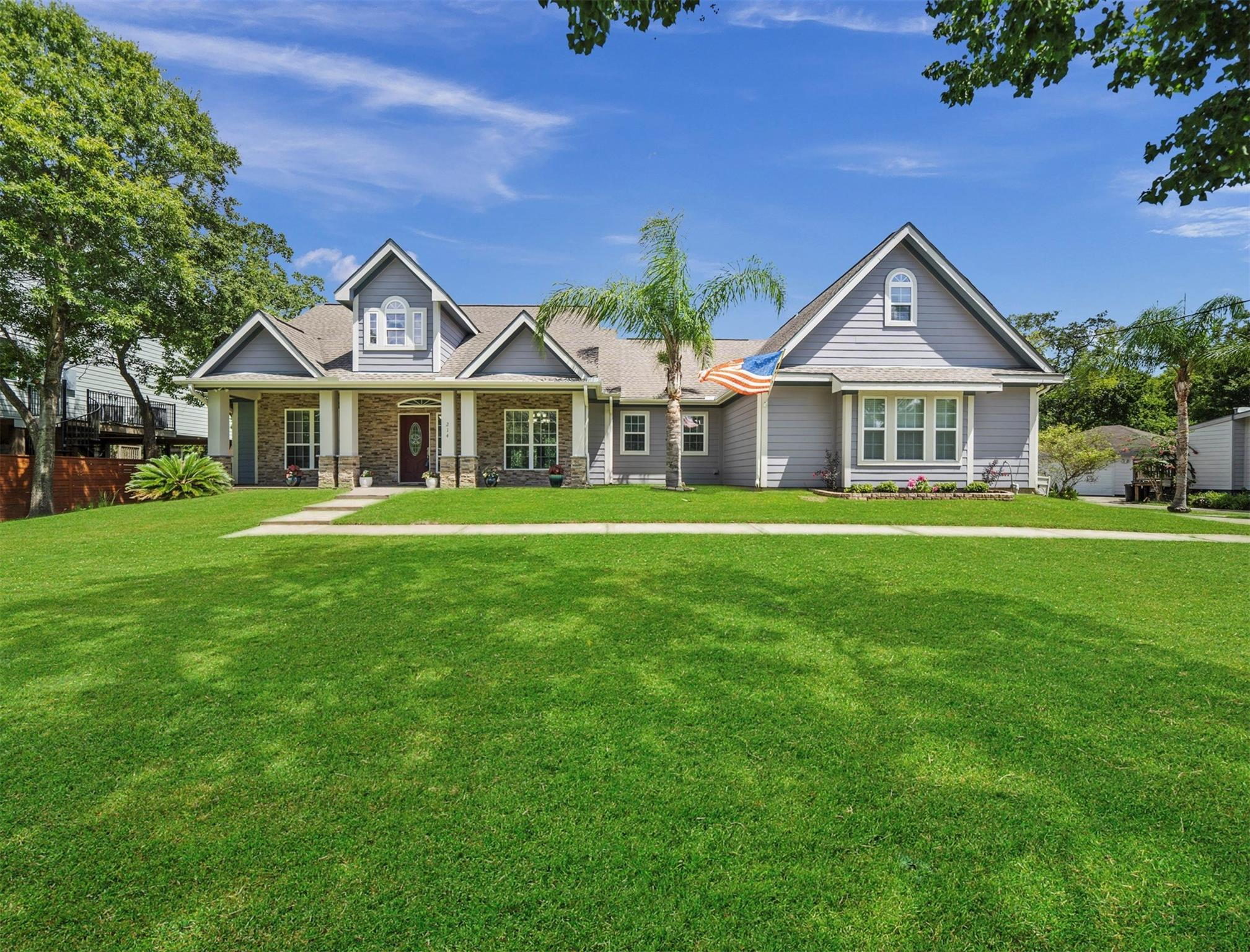 214 Fairfield Street Property Photo - Shoreacres, TX real estate listing