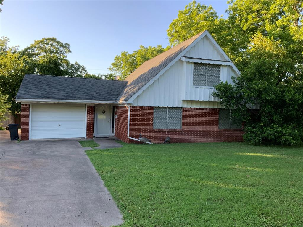 211 N Karl Cayton Street Property Photo - Groesbeck, TX real estate listing