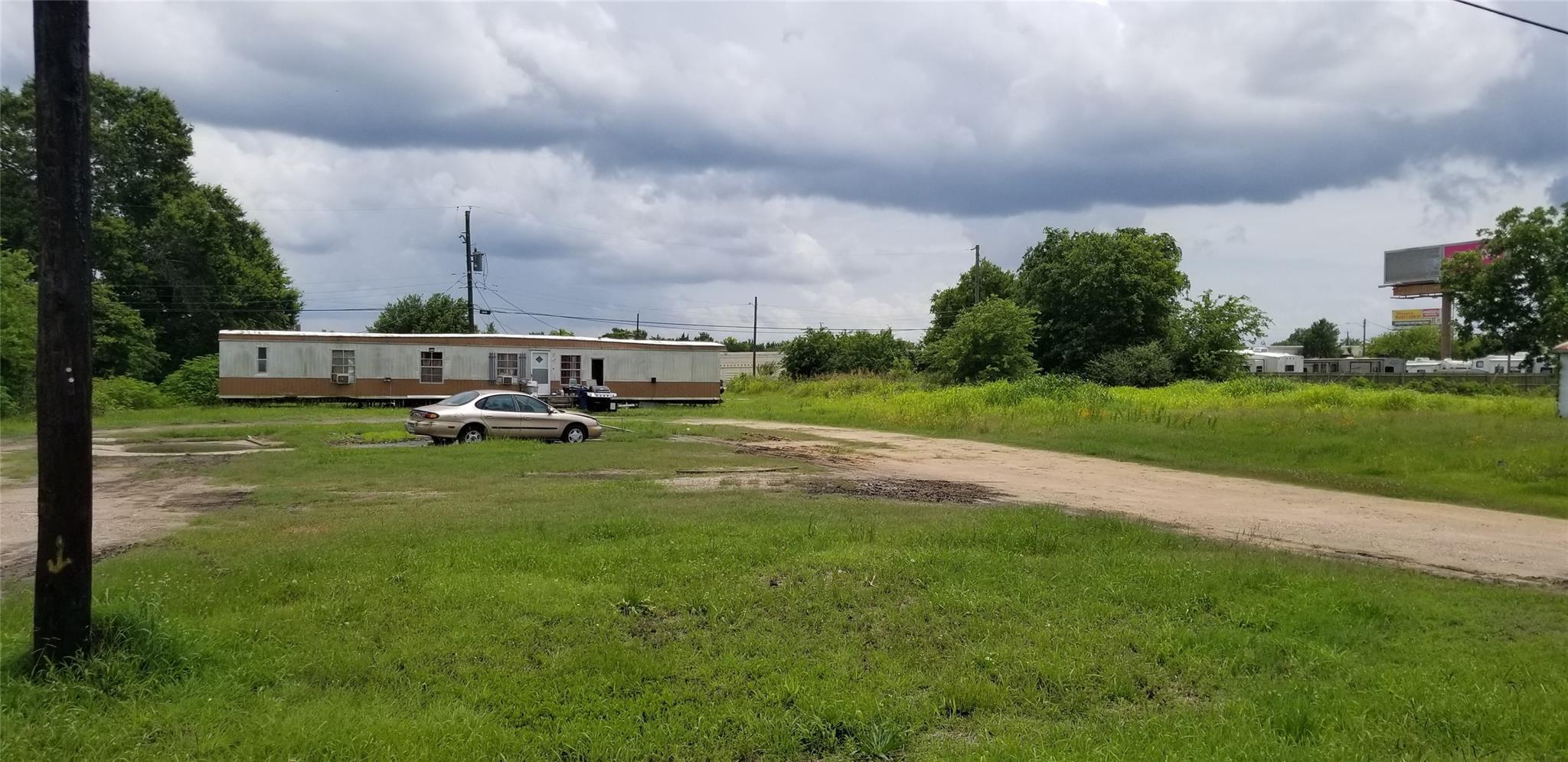 13317 Hwy 59 Property Photo