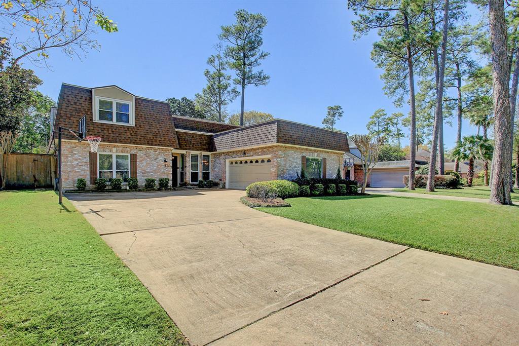 8313 Cedarspur Drive, Spring Valley Village, TX 77055 - Spring Valley Village, TX real estate listing